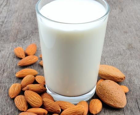 latte-di-mandorle